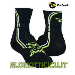 DEFEET PAIR OF BLACK SHOE COVERS WITH STRIPES