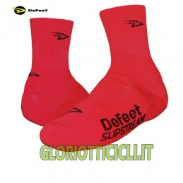PAIR OF RED SLIPSTREAM SHOE COVERS