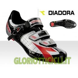 TORNADO BLACK-BLACK-RED RUNNING SHOES